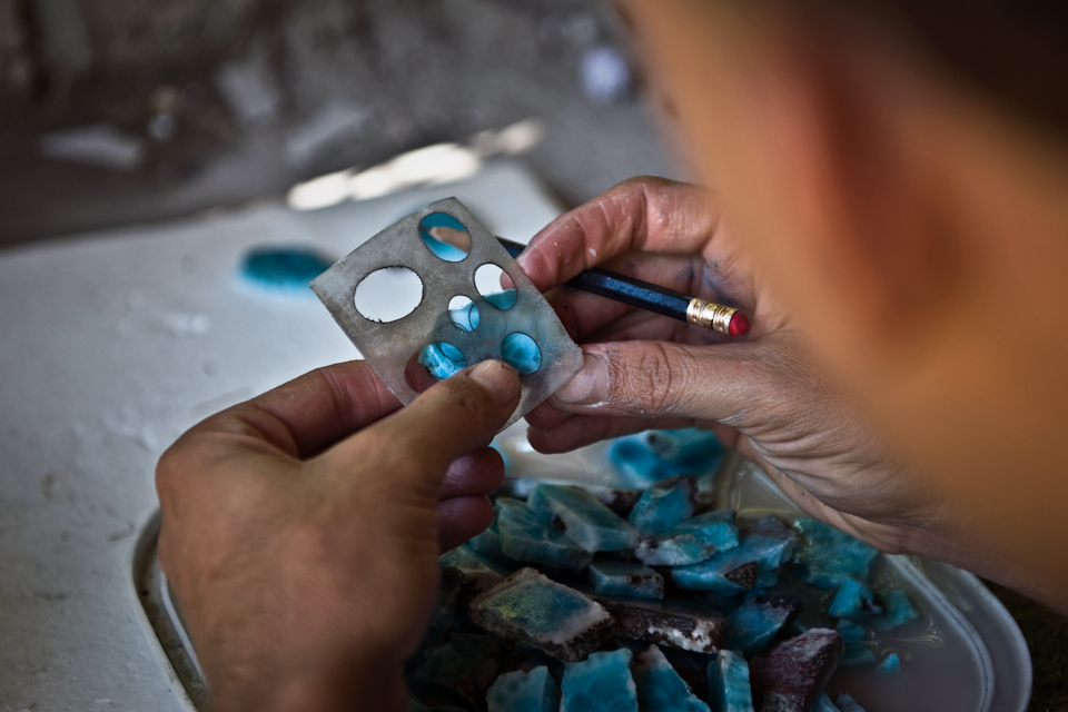 The last Larimar miners